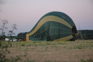 Hot_Air_Balloon_at_Baughton_-_geograph.org.uk_-_548819